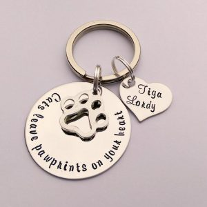 Keychains as christmas gifts for cat lovers