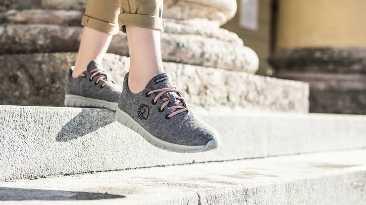 Woolen Runners as Valentine's Day Gifts for Girlfriend