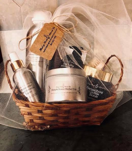Beauty Basket as Valentine's Day Gifts for Girlfriend