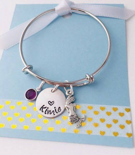 Personalized Bracelets as Valentine's Day Gifts for Girlfriend